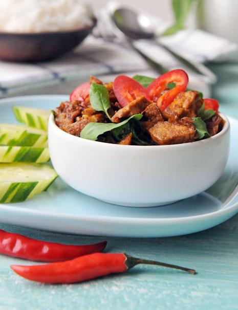 Tofu with Holy Basil | Vegan Pad Gaprow | ผัดกะเพราเต้าหู้