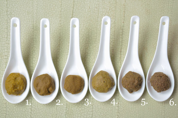 Thai Test Kitchen: Which brand of curry paste is best?